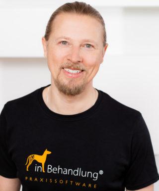 Dr. med. vet. Ralph Schickel, Geschäftsführer, inBehandlung